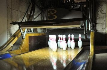 Kingpin Alley: Million Dollar Homes with Bowling Lanes (PHOTOS)