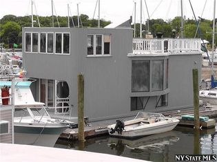 I'm on a Houseboat: Buy Your Way Onto the Water for $158K