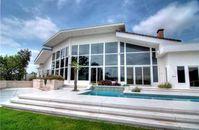 Sandra Bullock Lists Tabula Rasa Austin Home for $2.5 Million