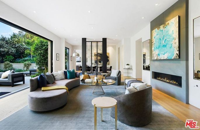 Kylie Jenner Buys Fifth Home A 13 4 M Stunner In Beverly Hills