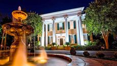 Become a Wedding and History Expert With Memphis' Hunt-Phelan Mansion