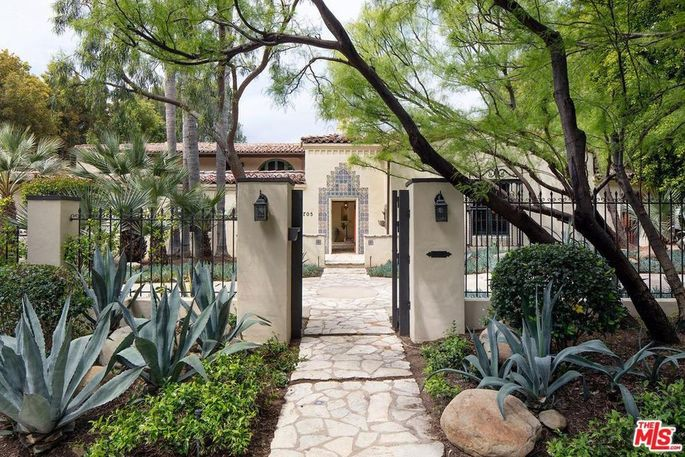 Lisa Henson's Beverly Hills, CA, home
