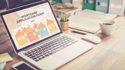 'Should I Use a Mortgage Broker or Find My Own Lender?'