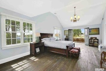 How to Get Anderson Cooper's Hamptons Style—for Less