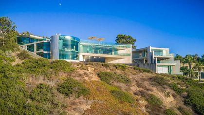 La Jolla's Cutting-Edge Razor House Goes on the Market for $30M