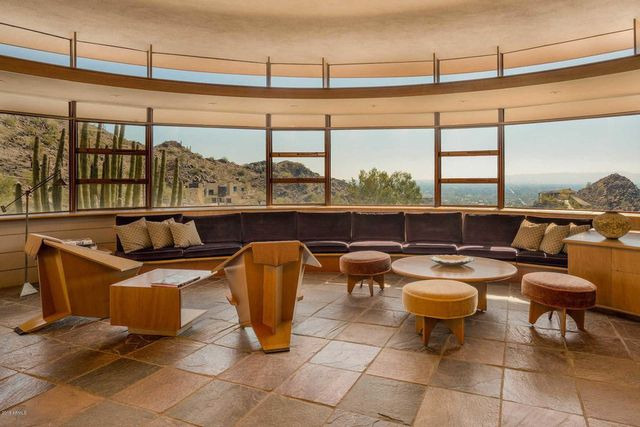 Living room in Frank Lloyd Wright house