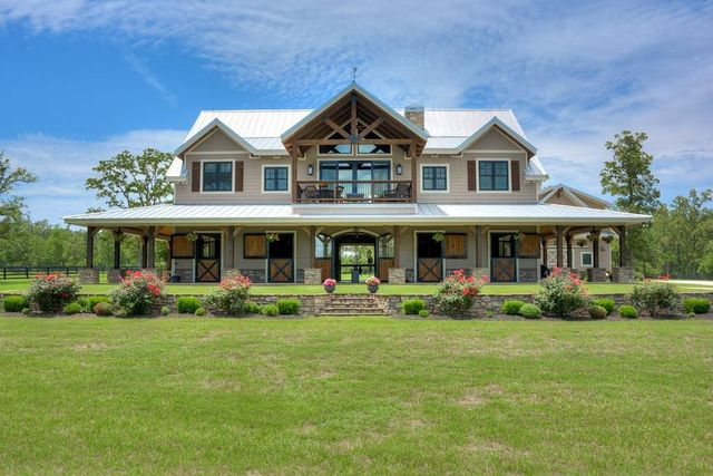 Aiken SC horse farm house exterior