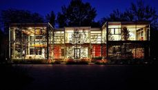 $2.5M Glass House in Illinois Blurs the Lines Between Indoor and Outdoor Spaces