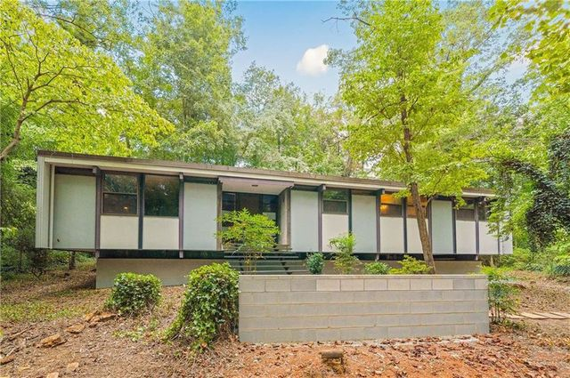 Mid century modern home in Hickory, NC