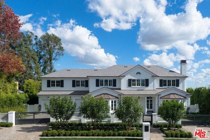 Did Ben Affleck buy this home?