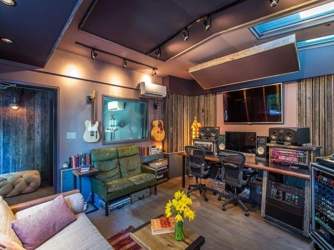 Martin Johnson Selling 2 5m Weho Pad With Rad Recording Studio