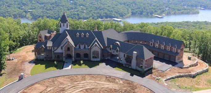 Cole Hamels' lakefront mansion in Missouri
