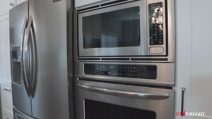 This combo appliance unit offered a great deal, and waymore cooking power for Lillian.