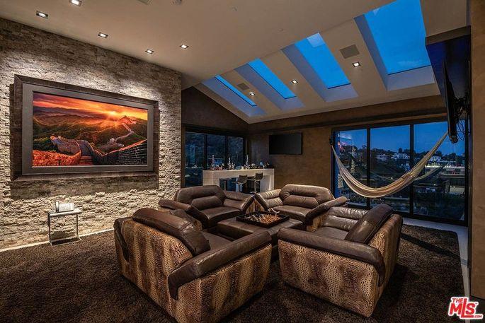 Lounge with skylights