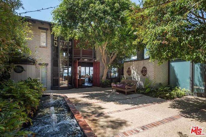 Joel Silver's Malibu beach home