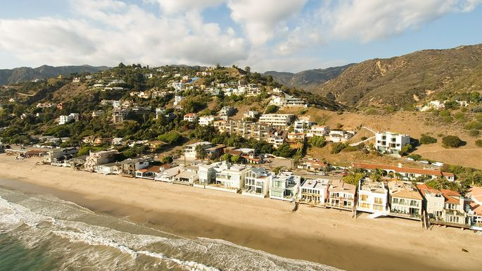 Beach houses in Malibu