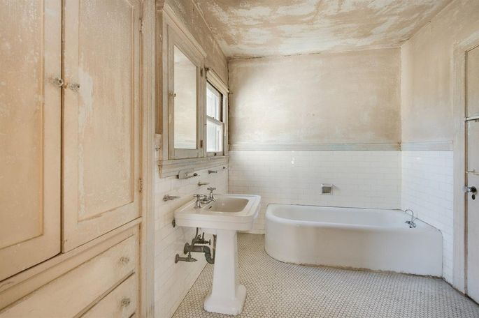 Bath in need of a remodel