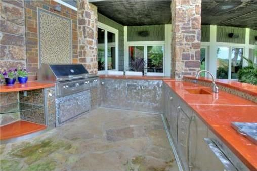Countertops that fit with the fall foliage
