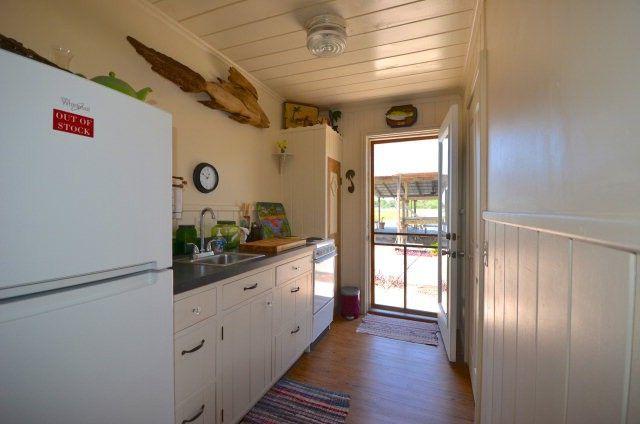 a tropical tiny house in florida s cedar key. Black Bedroom Furniture Sets. Home Design Ideas