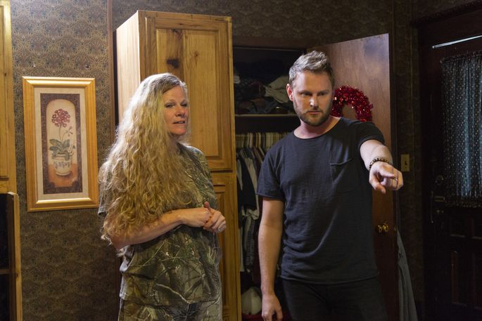 Bobby Berk consults with Jody Castellucci about her dark decor.