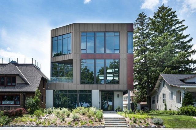Milwaukee, WI modern house exterior