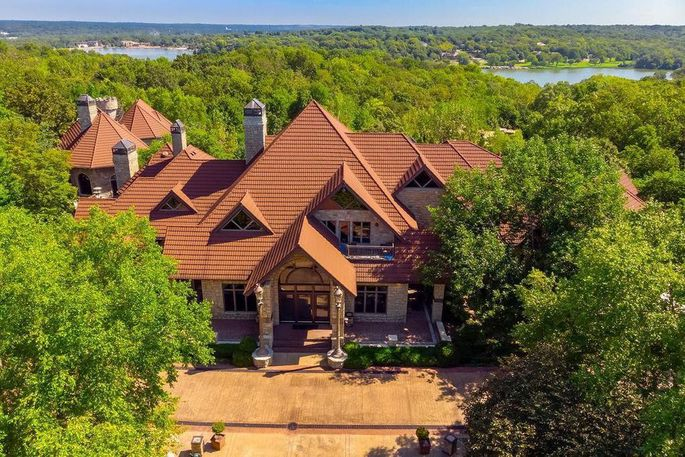 The Spirit of Avalon, the most expensive listing in Kansas