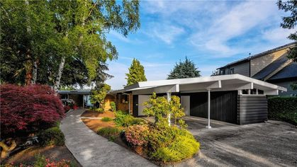 This Midcentury Modern Home in Seattle Is a 1950s Time Capsule