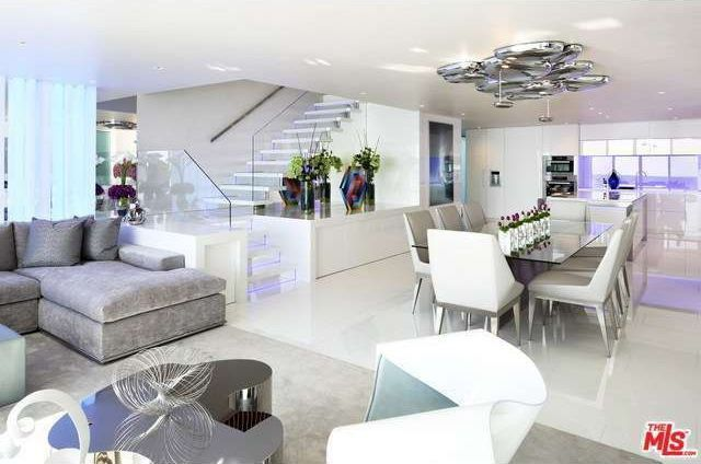 Open floor plan of Richard Landry beach house