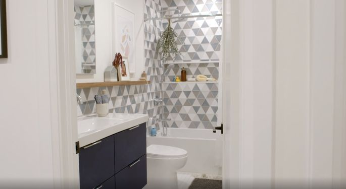 Drew and Jonathan Scott's tile selection is perfect for a midcentury modern style.