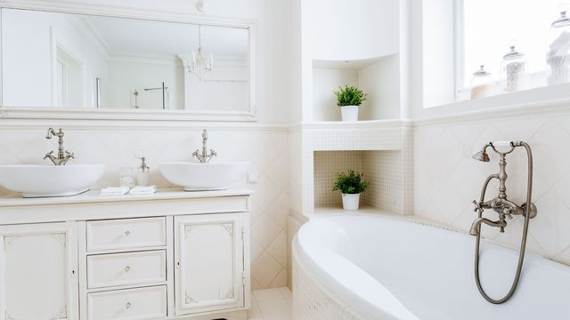 how-to-stage-a-bathroom