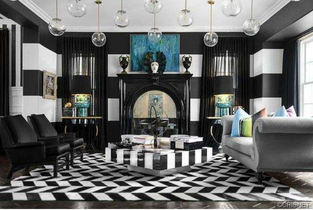 Kourtney Kardashian Scott Disick Calabasas House 8 Part 40