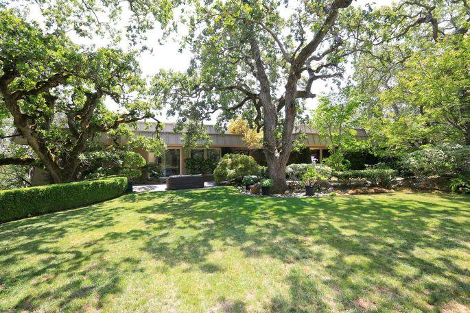 yahoo exec jackie reses selling 7 2m woodside home