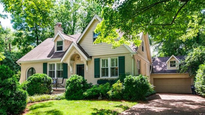 A three-bedroom home in Nashville listed at $775K.