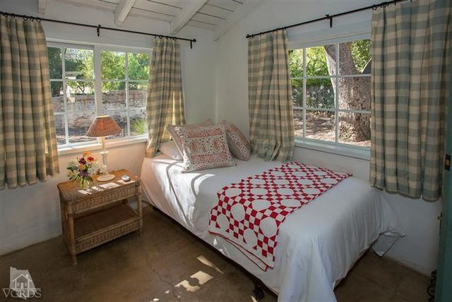 reese-witherspoon-sells-ojai-ranch-19
