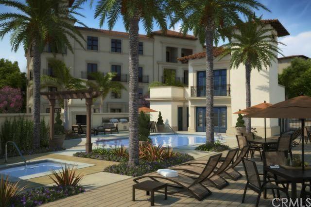 The pool at Avanti