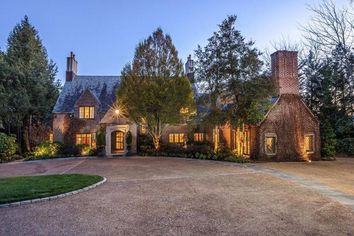 Cleveland Browns Owner Jimmy Haslam Lists Knoxville Mansion for $4.9M