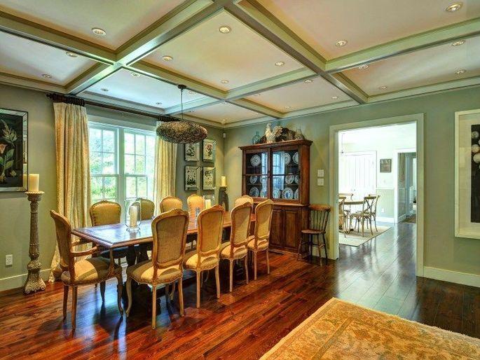 Farmhouse-style dining room