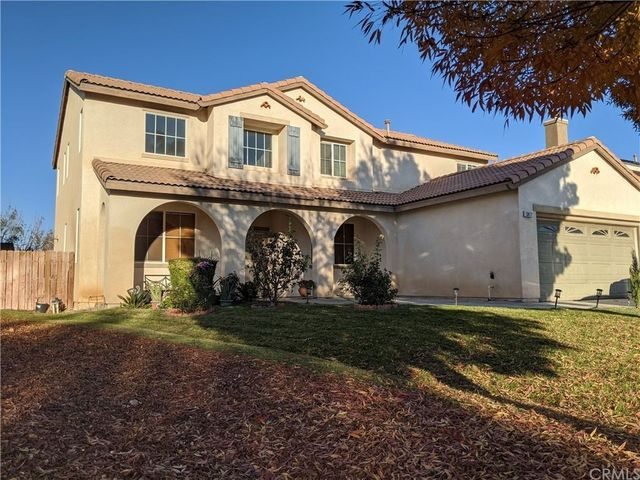 stucco home in victorville, ca exterior