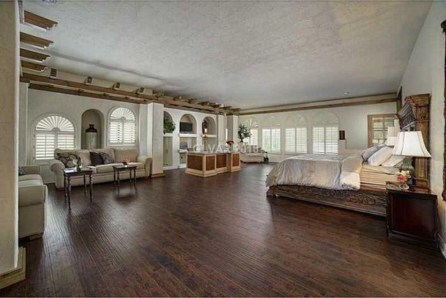 One Of Michael Jackson S Last Homes Thrilla Villa For