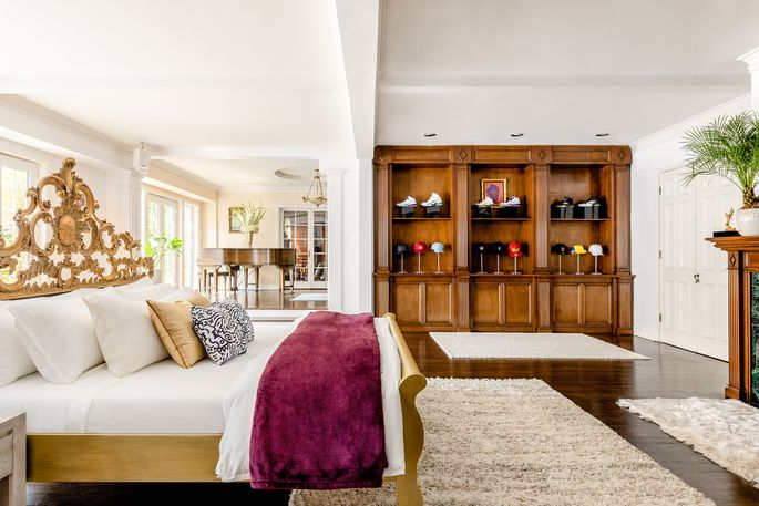 Gaze at Will Smith's way-cool kicks and lids from the king-size bed.