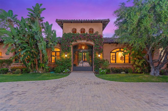 Darren Sproles' San Diego–area estate is for sale.