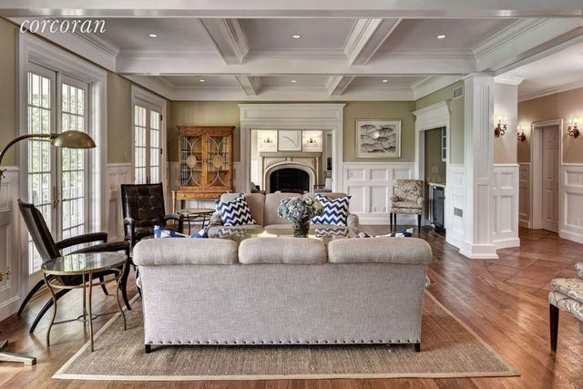 Kevin Sorbo's party ready living room