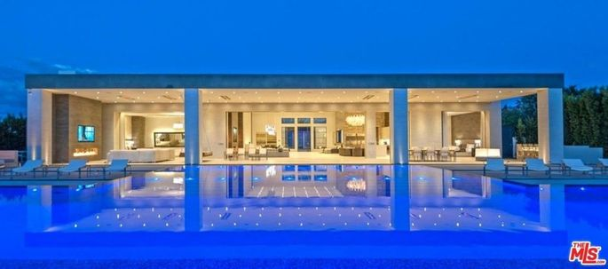 Kris Jenner's lavish La Quinta, CA, pad