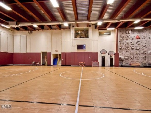 How real estate agents use technology best places to live for Cost to build indoor basketball court