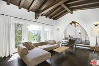 This Quirky, Vintage Spanish-Style Home in Glendale Is an Awesome Retreat