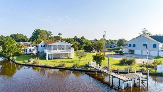 Waterfront home in Morehead City, NC
