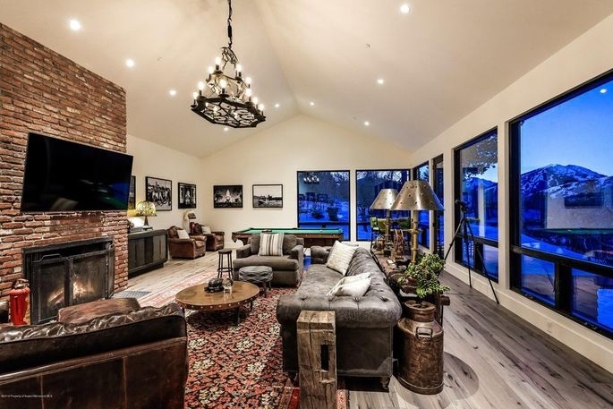 Rec room with billiard table and media space