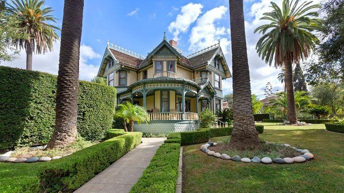 victorian-beach-house