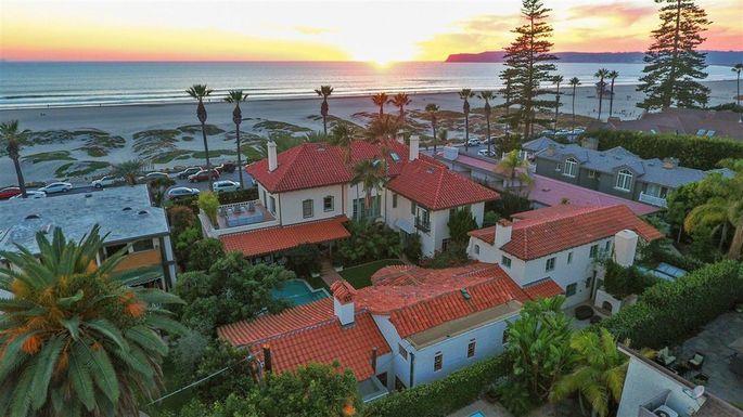 The Spreckels mansion on Coronado Island