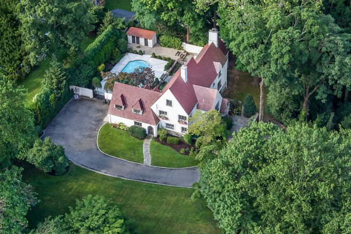 Theestate is on the market for $3,365,000.